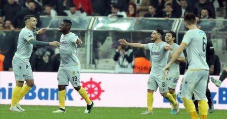 Yeni Malatyaspor, İstanbul'daki galibiyet hasretini sonlandırdı