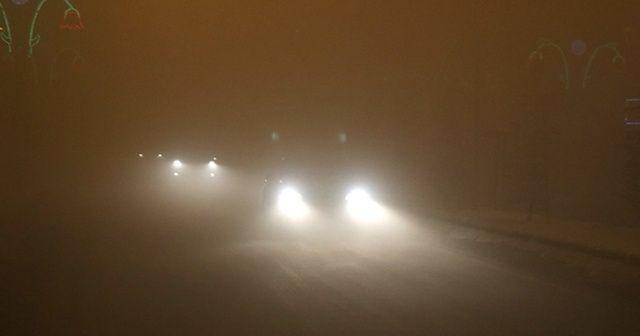 Ağrı'da yoğun sis: Görüş mesafesi 2 metreye düştü, trafik aksadı