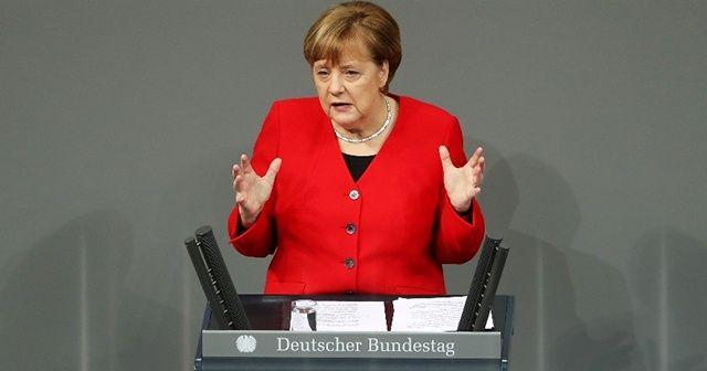 """Almanya Başbakanı Merkel: """"Hafter'in ateşkese istekli olması iyi bir mesaj"""""""