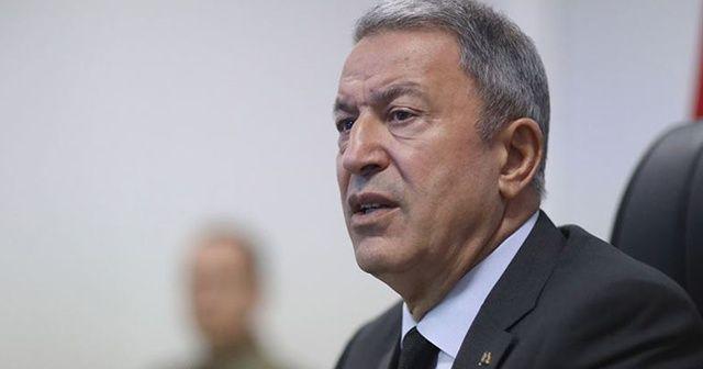 Bakan Akar, şikayetçi olduğu kişiyle Mehmetçik Vakfı'na bağışta bulunması şartıyla uzlaştı