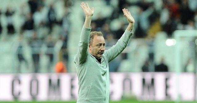 Beşiktaş, Sergen Yalçın'ı Türkiye Futbol Federasyonu'na bildirdi