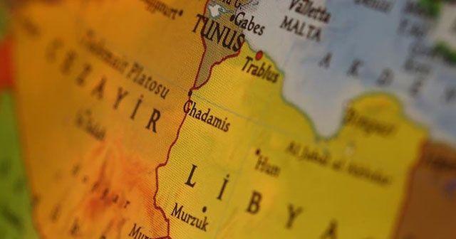Cezayir'den Libya sınırı yakınlarında askeri tatbikat