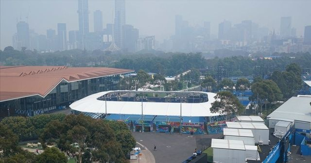Hava kirliliği Avustralya Açık Tenis Turnuvası'nı ilk günden etkiledi