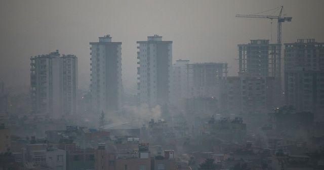 Hava kirliliği nedeniyle şehirde göz gözü görmüyor