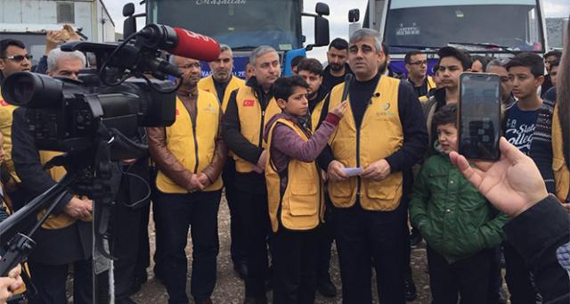 İdlib'e 6 tır acil yardım malzemesi