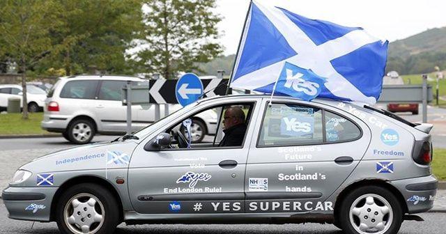 İskoç hükümeti bağımsızlık referandumunda ısrarlı