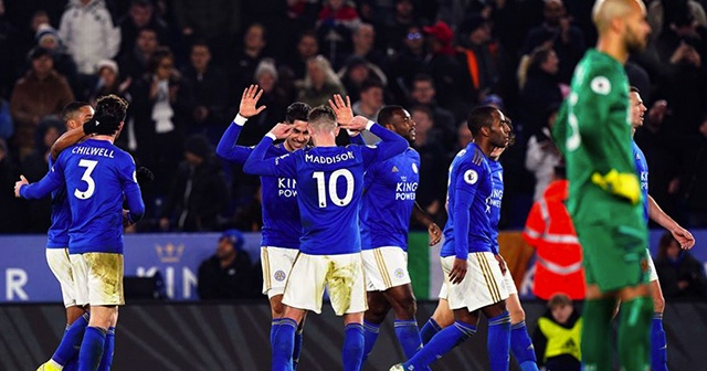 Leicester City farklı kazandı