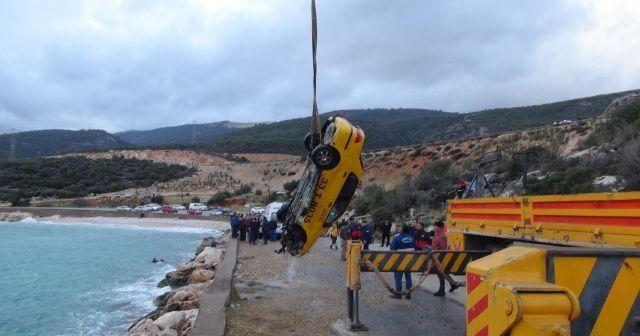 Mersin'de otomobil denize düştü