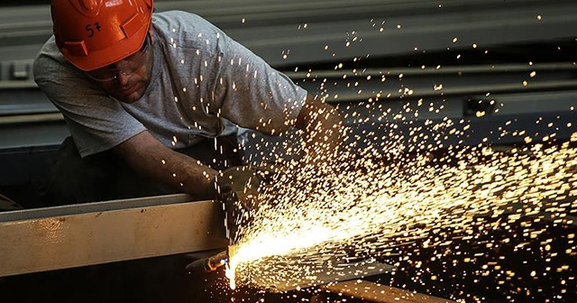 Sanayi üretimi yıllık yüzde 5,1 arttı