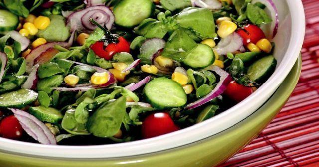 Semizotu salatası nasıl yapılır, Semizotu salatası tarifi ve En kolay Semizotu salatası yapılır