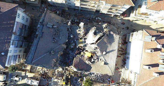Ünlü isimlerden deprem sonrası paylaşım