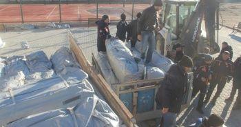 Depremzedelere çadır yardımı başladı
