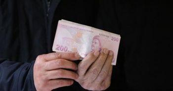 Depremzedelere gönderilen ceketten 10 bin lira çıktı