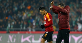 Galatasaray'a Falcao ve Sarrachi'den kötü haber
