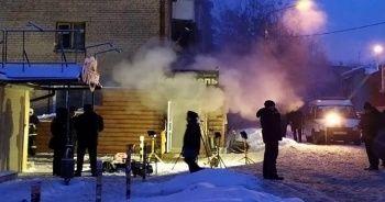 Rusya'da otelin yanından geçen sıcak su borusu patladı