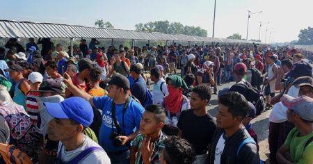 ABD'ye gitmek isteyen Orta Amerikalı göçmenler, Meksika sınırında bekliyor