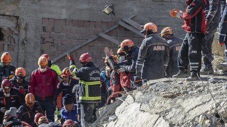 AFAD: Elazığ ve Malatya'da 29 kişi hayatını kaybetti