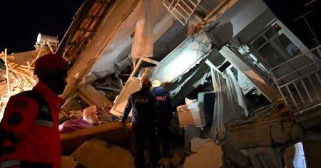 Depremde yaralı sayısı bin 243'e yükseldi