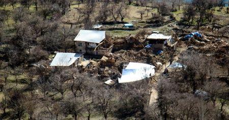 Sivrice'ye bağlı Çevrimtaş köyünde evlerin tamamı hasar gördü