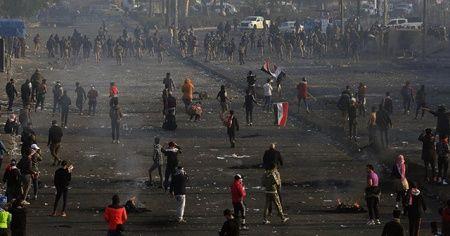 Iraklı göstericiler 9 vilayette yolları trafiğe kapattı