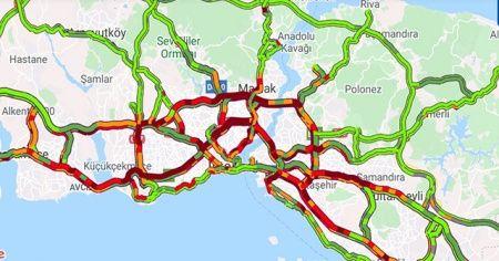 İstanbul'da sağanak sonrası trafik kilitlendi