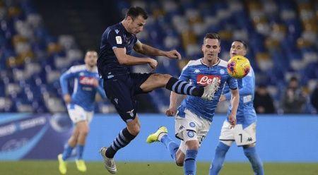 İtalya Kupası'nda Napoli, son şampiyon Lazio'yu eledi