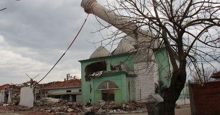 Manisa'da depremin yaraları sarılıyor