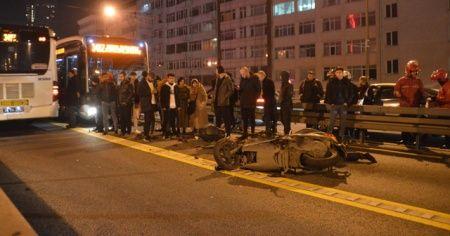 Metrobüs yolunda akıl almaz kaza!