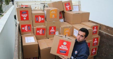 Mezitli Belediyesinden depremzedelere gıda ve giyecek yardımı