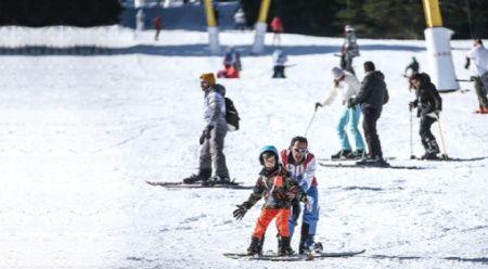 Saatlik kayak dersi 250 TL