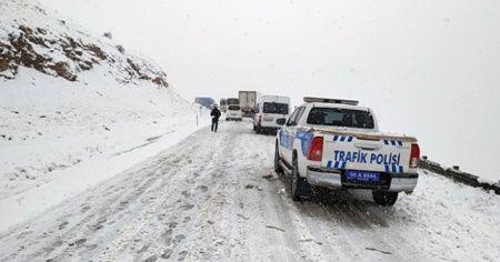 Siirt-Batman kara yolu ulaşıma kapandı