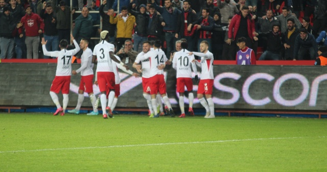 2 gol, 2 penaltı, kırmızı kart! Nefes kesen maçta kazanan Gaziantep