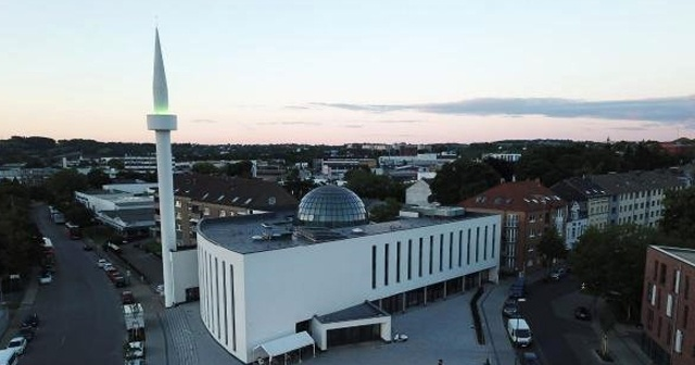 Almanya'da camilere yönelik bomba ihbarları