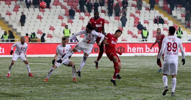 Antalyaspor turu deplasmanda aldı