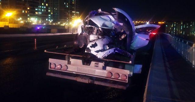 Başakşehir'de iki otomobil kafa kafaya çarpıştı