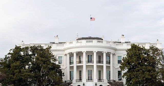 Beyaz Saray'da bıçaklı saldırgan paniği