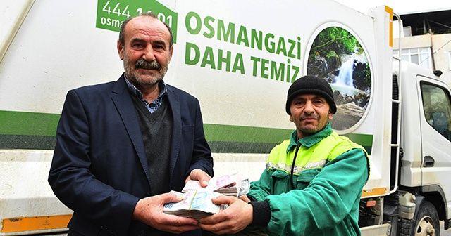 Çöp toplarken 125 bin lira buldu! Sahibine teslim etti