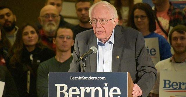 Demokrat başkan aday adayı Sanders ilk kez öne geçti