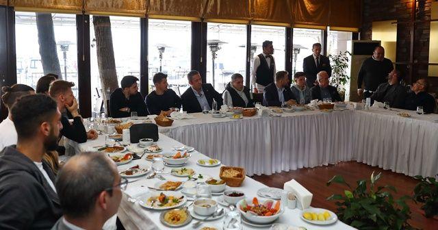 Fenerbahçe, moral yemeğinde bir araya geldi