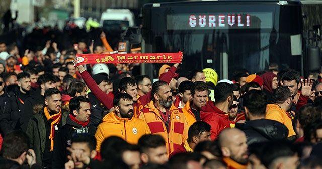 Galatasaray taraftarı Kadıköy'e geldi