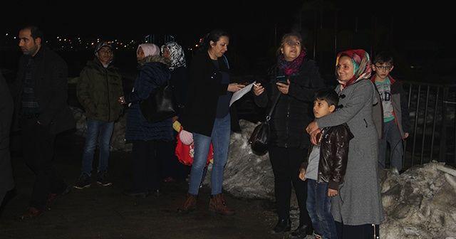 İran sınırındaki deprem Vanlıları korkuttu, vatandaşlar dışarı çıktı