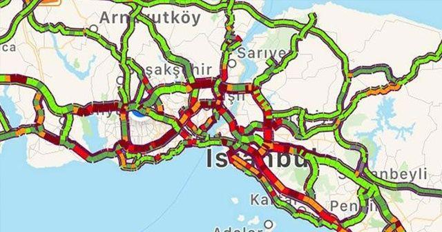 İstanbul'da cuma trafiği, durma noktasına geldi