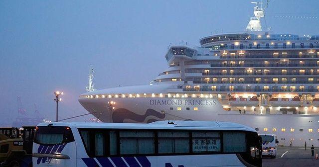 Japonya'daki karantina altındaki gemiden tahliyeler sürüyor