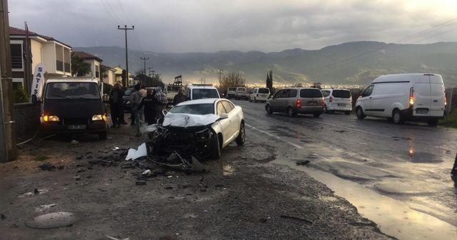 Kuşadası'nda trafik kazası: 1'i ağır 5 yaralı