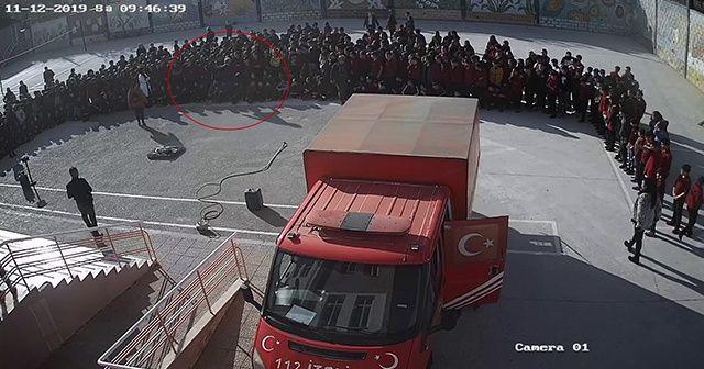 Okul müdürünün 13 yaşındaki öğrenciye tekme attığı anlar kamerada