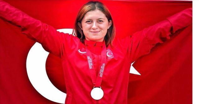 Özel sporcu Fatma Damla Altın, pentatlonda dünya şampiyonu oldu