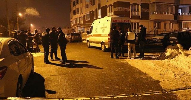 Silahlı firari mahkum çatıya çıktı, polis alarma geçti