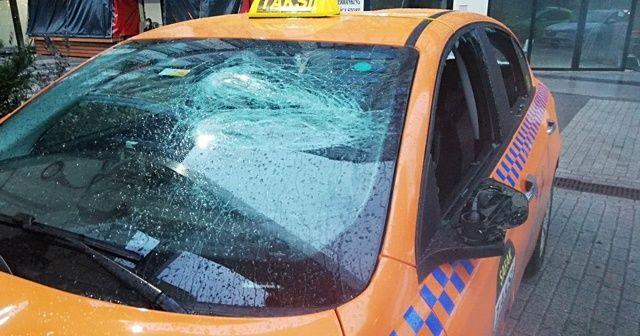 Taksicilerin silahlı kavgasında kan aktı! Ortalık savaş alanına döndü