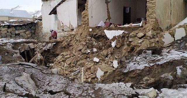 Van'da deprem: Ölü sayısı 10'a yükseldi
