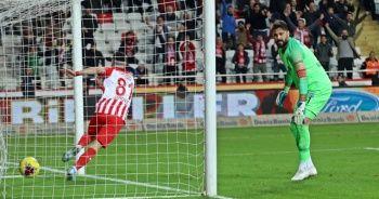 Antalyaspor, Kasımpaşa'yı farklı geçti